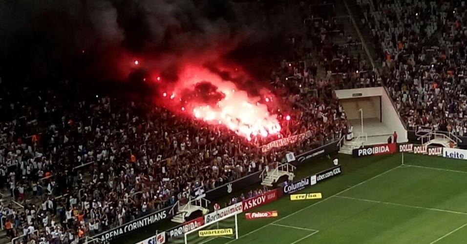 Pelo fim da proibição faixa Corinthians torcida