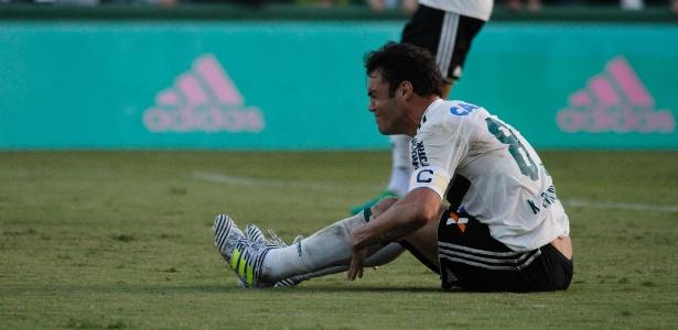 Kleber foi punido por transgressões no jogo entre Coritiba e Bahia