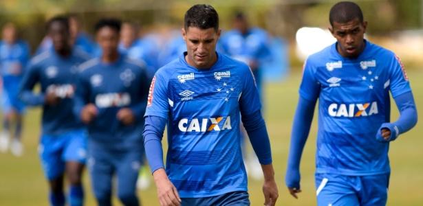 Thiago Neves, meia-atacante do Cruzeiro, quer o fim das polêmicas entre os cartolas - © Washington Alves/Light Press/Cruzeiro
