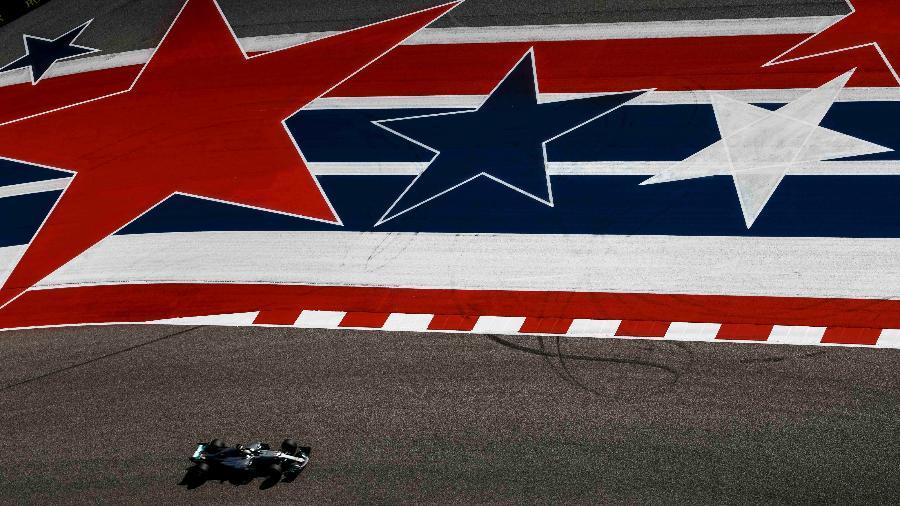 Lewis Hamilton em ação durante treino para o Grande Prêmio dos Estados Unidos - Jerome Miron/USA TODAY Sports