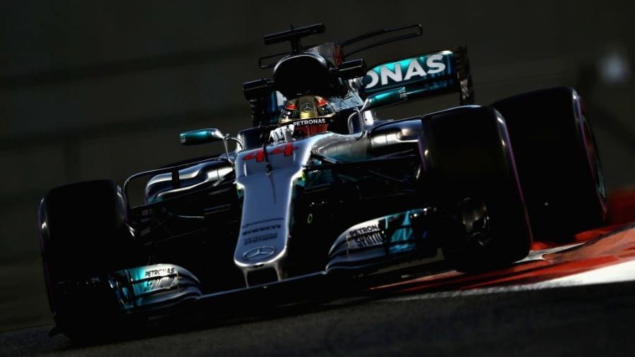 Lewis Hamilton, da Mercedes, nos treinos livres em Abu Dhabi - Mark Thompson/Getty Images
