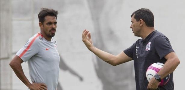 Júnior Dutra foi novamente escalado como centroavante no Corinthians