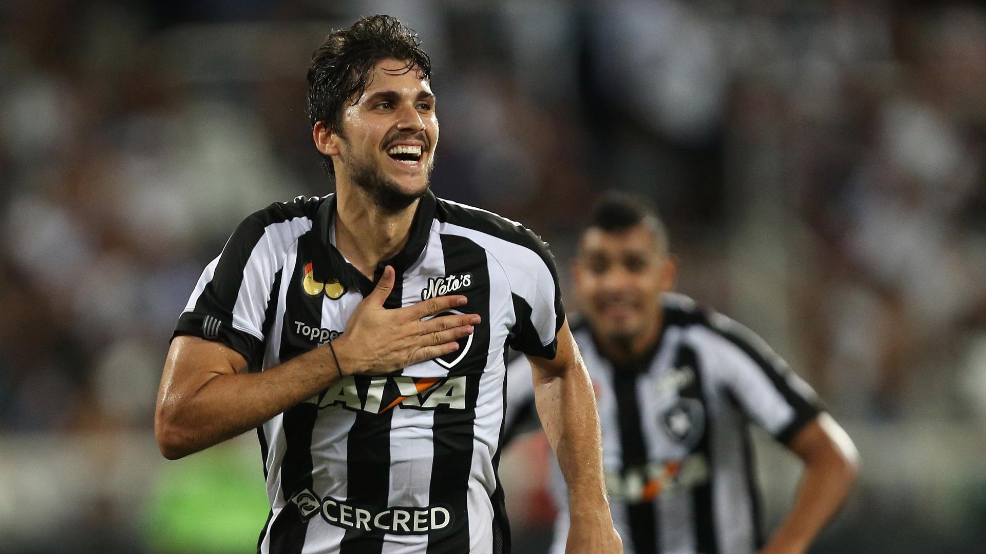 O zagueiro Igor Rabello anotou o gol da vitória do Botafogo por 3 a 2 sobre o Vasco