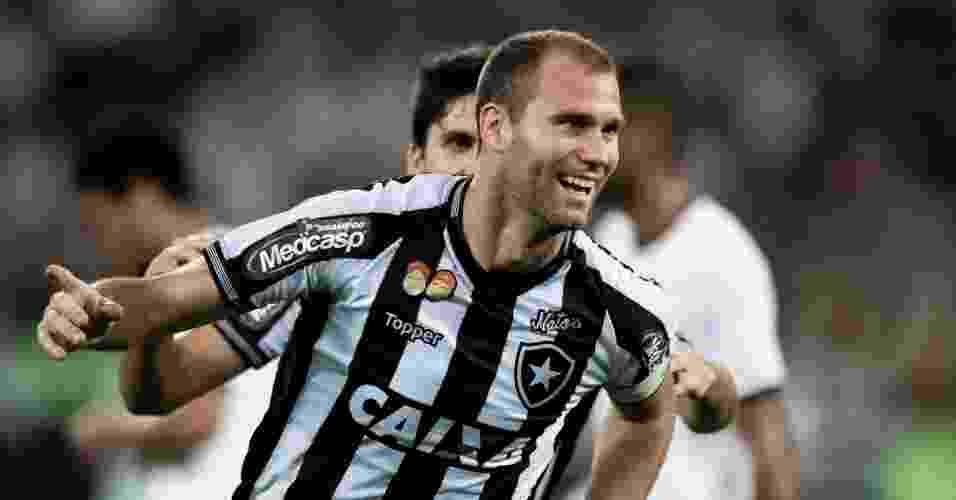 O que o Botafogo dá para Felipe Neto b2fc098db5892