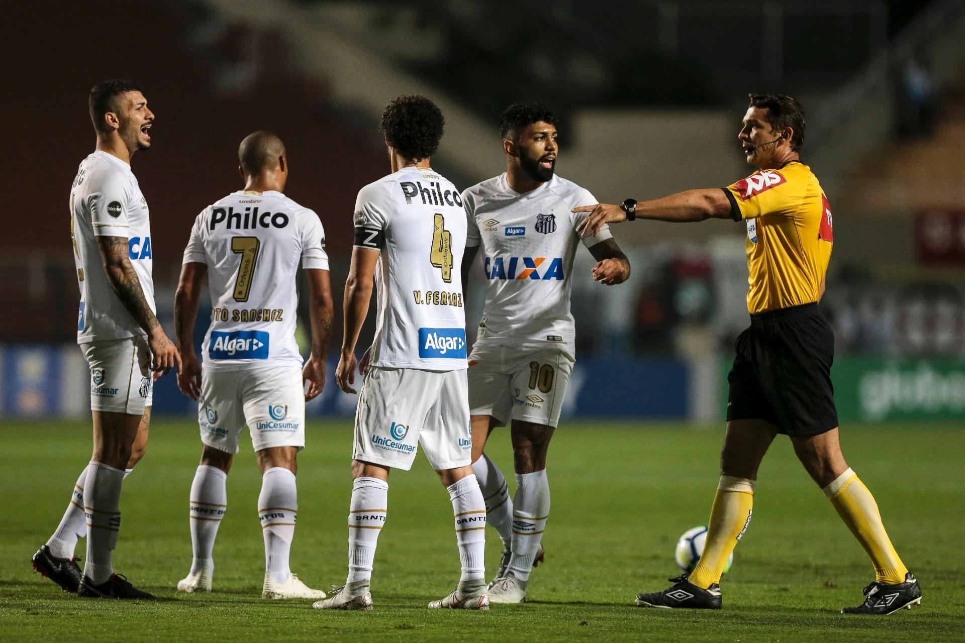 Santos recua e cede empate ao Vasco em jogo atrasado no Pacaembu -  27 09 2018 - UOL Esporte 1f2cfbff8d5e6