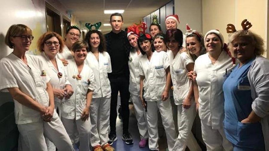 Cristiano Ronaldo visita hospital Turim