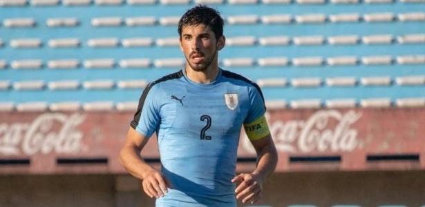 Corinthians negocia com zagueiro uruguaio e79f659167c88