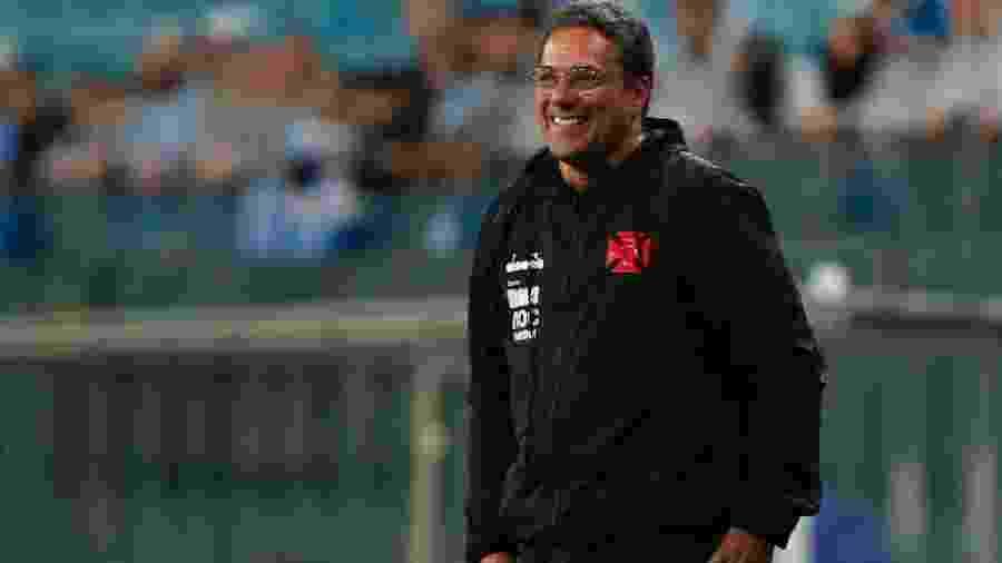 Vanderlei Luxemburgo não gostou da atuação da arbitragem em partida entre Vasco e Grêmio - Jeferson Guareze/Agif