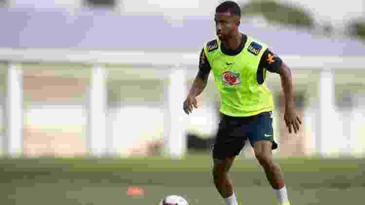 Jorge, lateral-esquerdo do Santos, durante o treino no colégio Palmer Trinity - Lucas Figueiredo/CBF