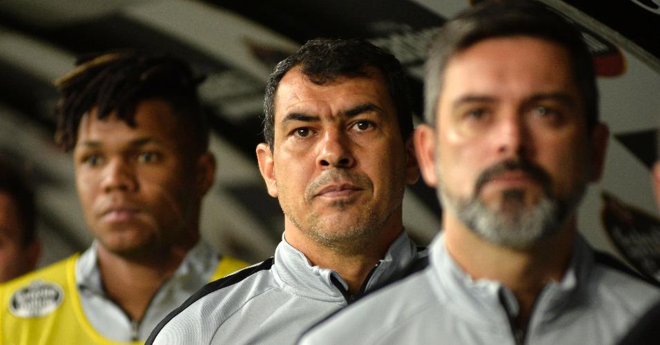 Carille, técnico do Corinthians, se posiciona para jogo contra o Bahia