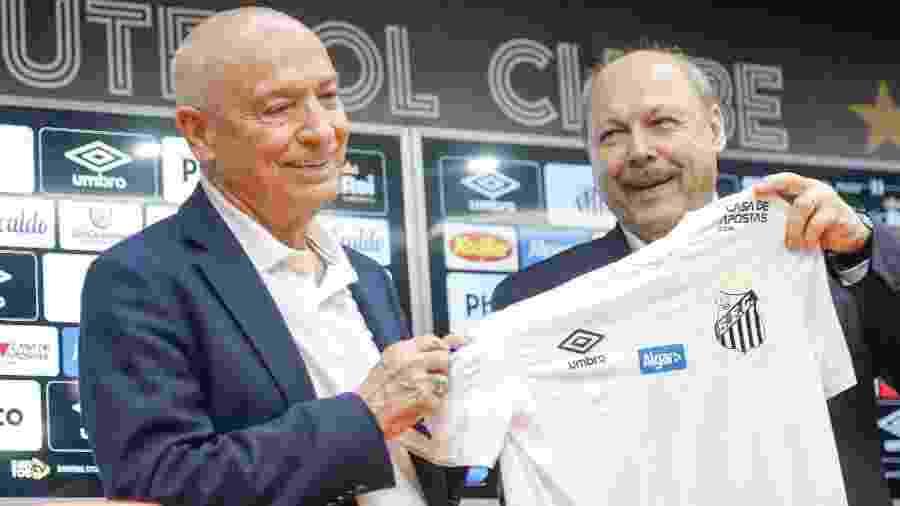 Jesualdo Ferreira e José Carlos Peres em apresentação do novo técnico do Santos - Fernanda Luz/AGIF
