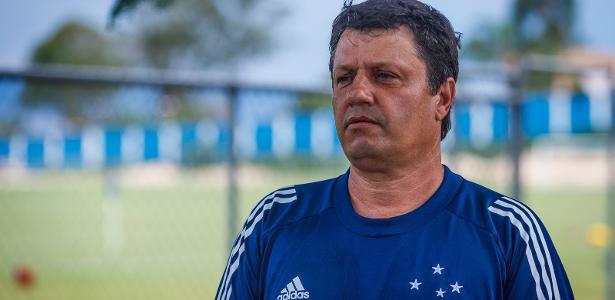 Técnico Adilson Batista sofre infarto e é internado; estado é estável