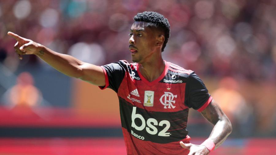 Bruno Henrique comemora gol do Flamengo sobre o Athletico em Supercopa do Brasil - UESLEI MARCELINO/REUTERS