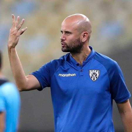 Miguel Angel Ramirez, técnico do Independiente del Valle, em 2020 - Silvia Izquierdo-Pool/Getty Images