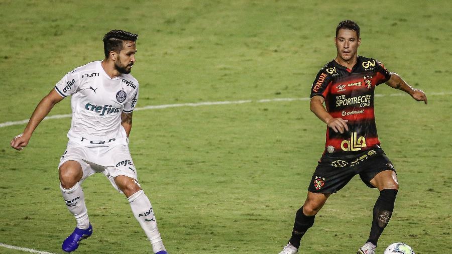 Thiago Neves (direita) anunciou a mobilização dos atletas do Sport - Paulo Paiva/AGIF