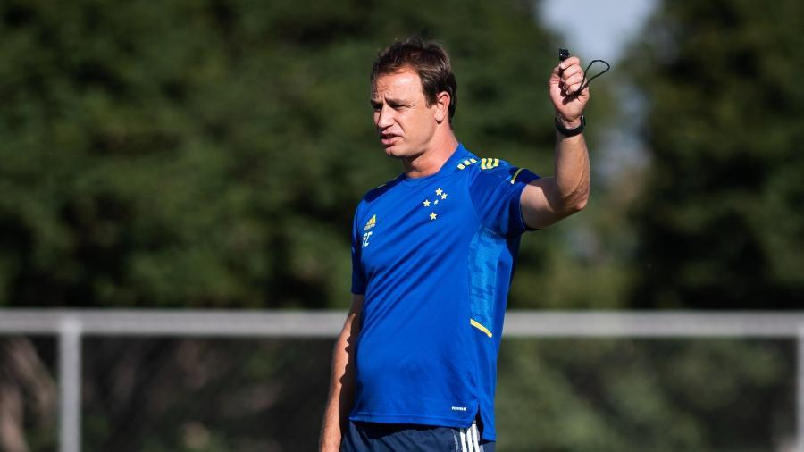 Treinador da Raposa entende que jogadores já estão melhor adaptados ao seu esquema de trabalho - Bruno Haddad/Cruzeiro
