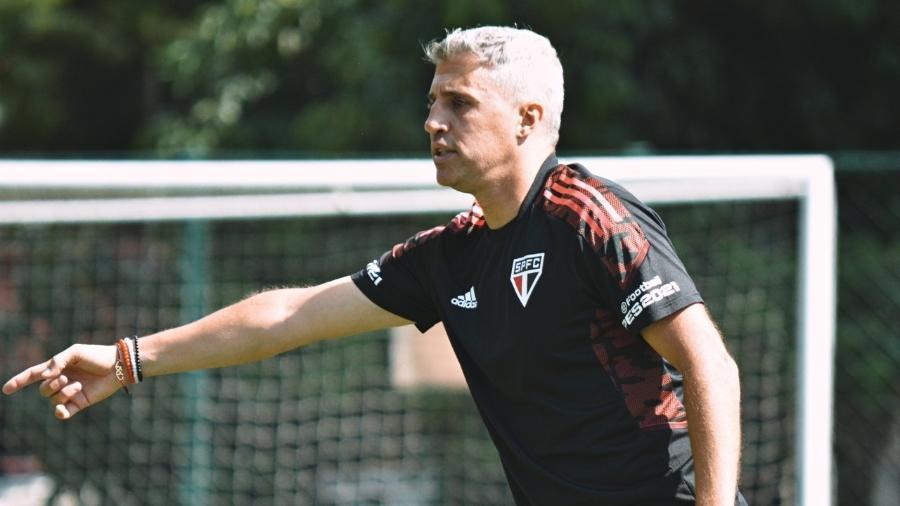 Crespo comanda o São Paulo em treino no CT da Barra Funda - Divulgação/SPFC