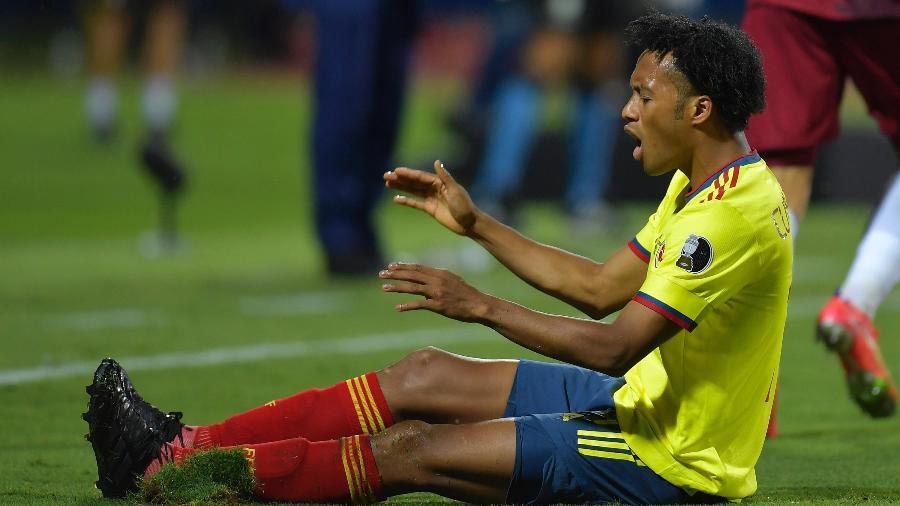 Cuadrado não enfrentará o Uruguai, amanhã, pois está suspenso -  Pedro Vilela/Getty Images