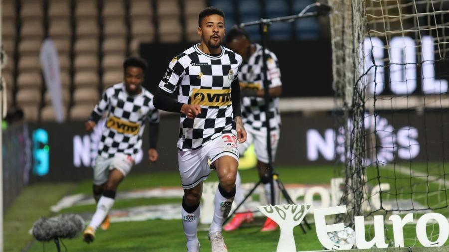 Paulinho comemora gol marcado pelo Boavista, de Portugal, e está na mira do Inter - Reprodução/@boavistaoficial