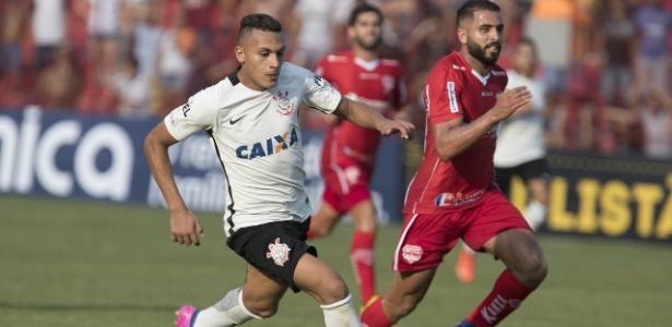 Jabá atuou as duas últimas partidas como titular do Corinthians