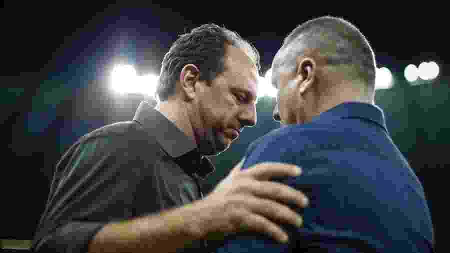 Rogério Ceni e Mano Menezes tiveram discussão durante jogo da Copa do Brasil 2017 - Thomás Santos/AGIF