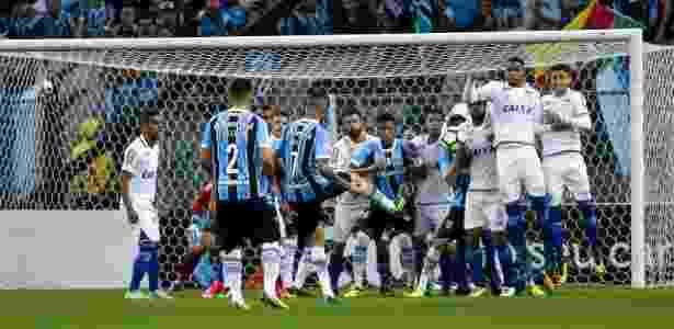 Lance entre Grêmio e Cruzeiro, na Arena do Grêmio, em Porto Alegre - Giazi Cavalcante/Light Press/Cruzeiro - Giazi Cavalcante/Light Press/Cruzeiro