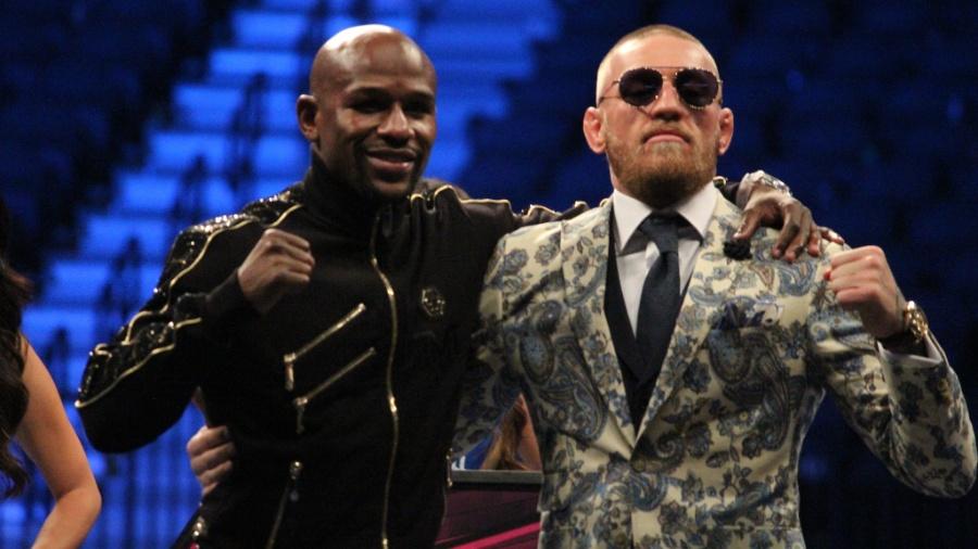 Conor McGregor e Floyd Mayweather se encontram depois da luta - Diego Ribas/Ag Fight