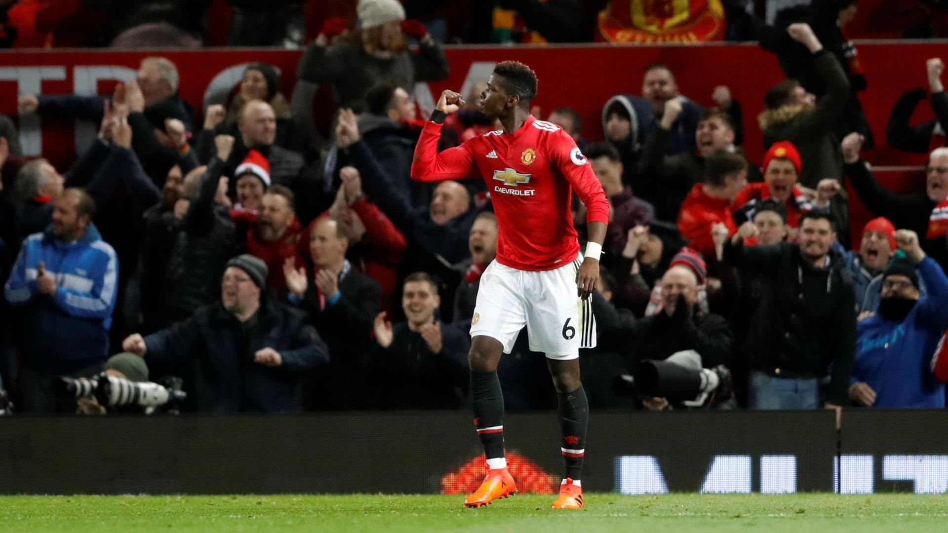 Pogba comemora gol marcado pelo Manchester United contra o Newcastle