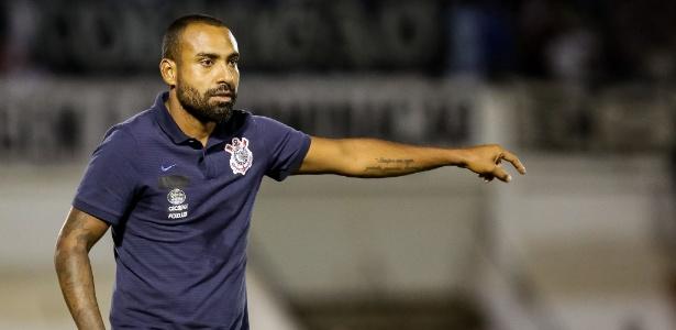O ex-lateral direito Coelho será um dos dois auxiliares do técnico Osmar Loss