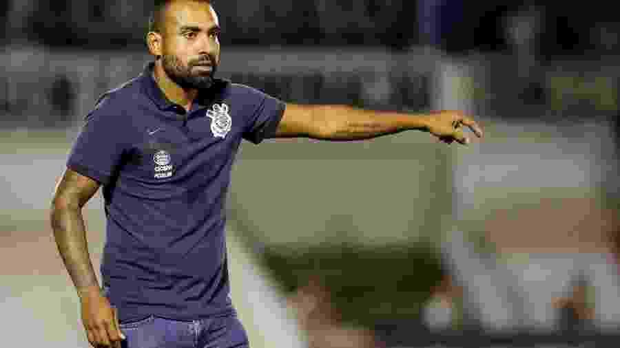Técnico Dyego Coelho no comandando o time sub-20 do Corinthians; ele fica no profissional até o fim do ano - Rodrigo Gazzanel/Ag. Corinthians