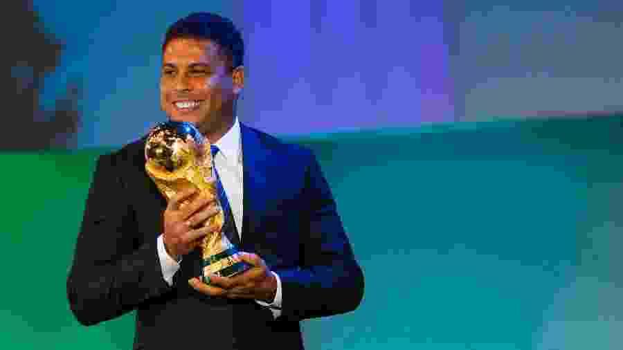 Ronaldo atuou pelo Cruzeiro por um ano e três anos com a camisa do Corinthians  - Alexandre Schneider/Getty Images