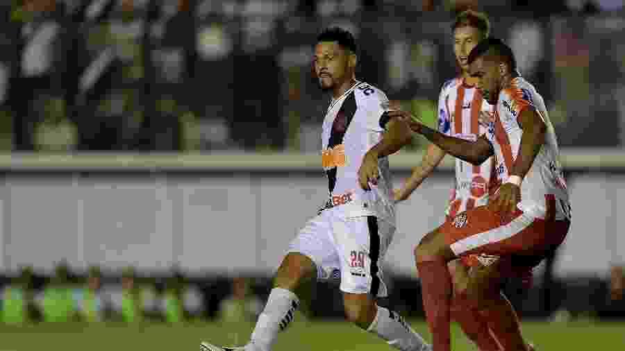 Volante Bruno Silva se desligou do Vasco por intermédio da Justiça do Trabalho  - Thiago Ribeiro/AGIF