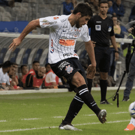 No Corinthians, uruguaio também jogou improvisado. Promessa antes do Pan foi retorno à posição de origem - Daniel Augusto Jr./Agência Corinthians