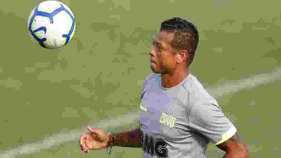 Fredy Guarín em atividade durante treino do Vasco - Rafael Ribeiro / Vasco