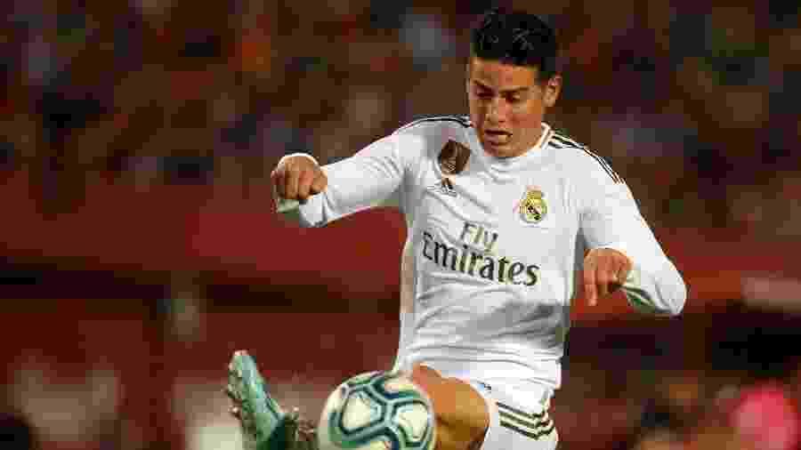 James Rodriguez sofreu entorse no ligamento interno do joelho esquerdo, conforme divulgado pelo clube - Jaime Reina/AFP