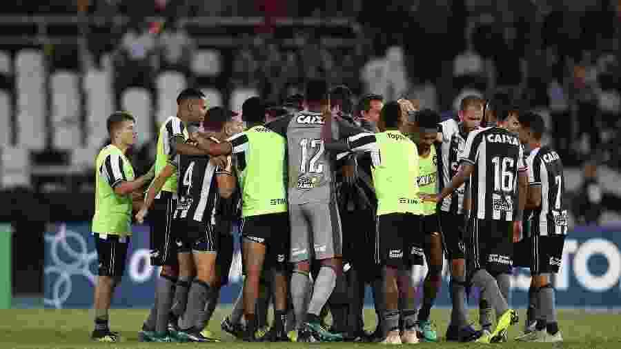 Jogadores do Botafogo celebram vitória sobre o Corinthians, pelo Brasileiro de 2018 - Vitor Silva/SSPress/Botafogo.
