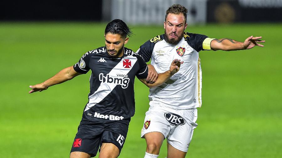 Volante Andrey cumpriu suspensão no Vasco na derrota por 2 a 1 para o Fluminense no último domingo - Thiago Ribeiro/AGIF