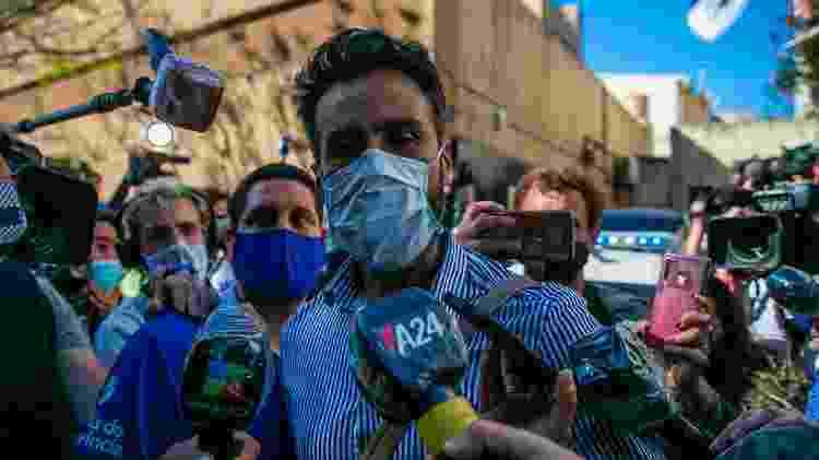 Leopoldo Luque, médico de Maradona, falou pouco ao chegar na Casa Rosada - Demian Alday Estevez/EFE - Demian Alday Estevez/EFE