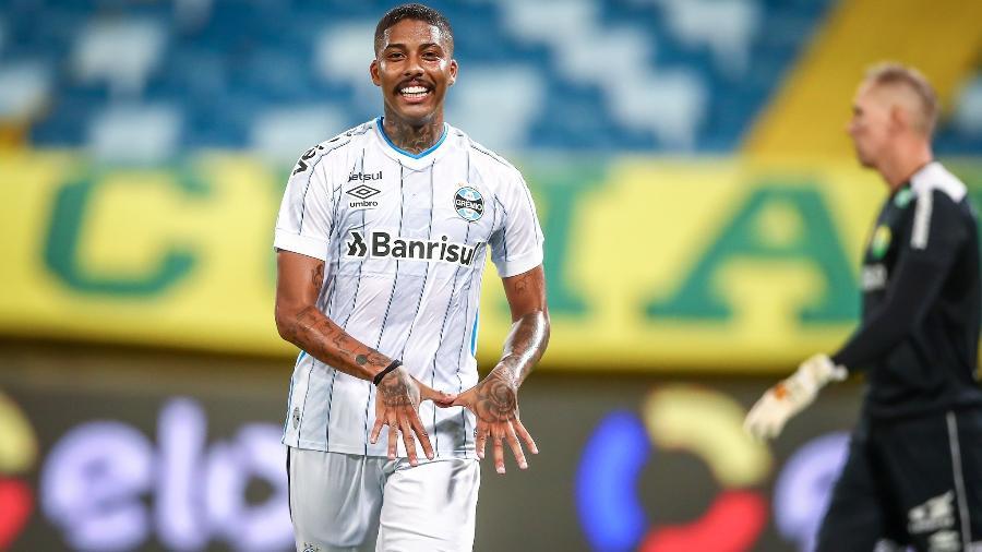 Jean Pyerre foi flagrado em uma festa, sem máscara, na semana do Gre-Nal - Lucas Uebel/Grêmio