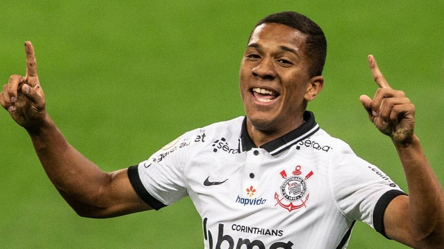 Matheus Davó completará o quinto jogo consecutivo como titular do Corinthians diante do Grêmio - WERTHER SANTANA/ESTADÃO CONTEÚDO