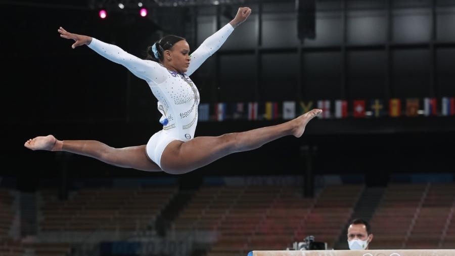 Rebeca Andrade durante apresentação nas traves durante a ginástica nas Olimpíadas - Ricardo Bufolin/CBG