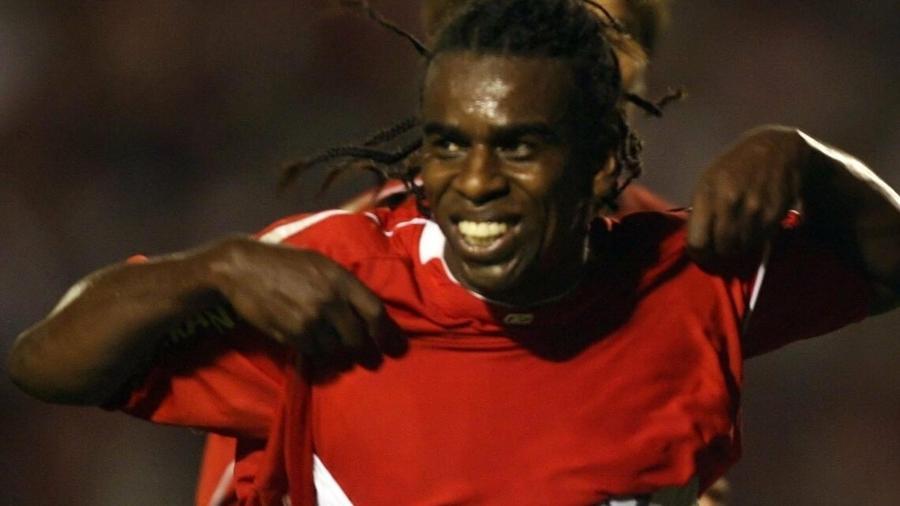 Tinga em cena histórica na final da Copa Libertadores 2006, entre Inter e São Paulo - Jefferson Bernardes / Internacional