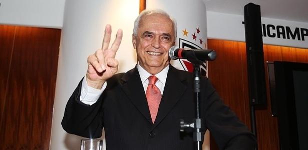 O presidente do São Paulo, Leco, participou da votação do novo estatuto do clube