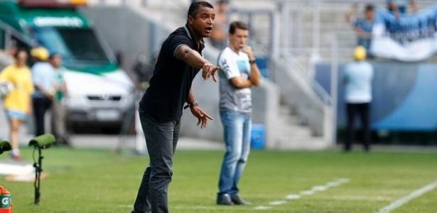 Roger Machado espera melhor atuação na segunda partida na altitude do Grêmio