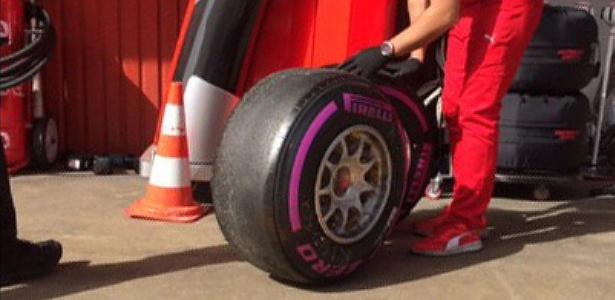 Ferrari apostou em pneus ultramacios (foto) na parte final do treino da manhã - @F1/Twitter