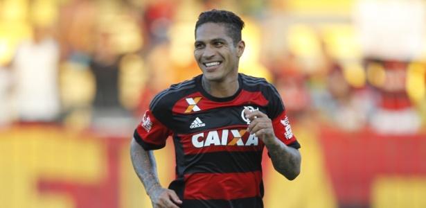 O atacante Paolo Guerrero é o jogador do Flamengo mais assediado por outros clubes