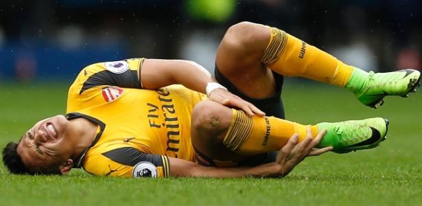 Jogador sofreu lesão contra o West Bromwich