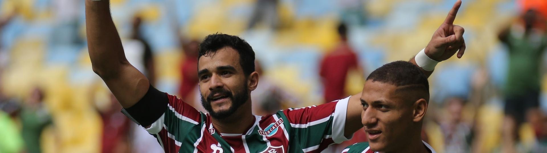 Henrique Dourado comemora gol do Fluminense sobre Santos