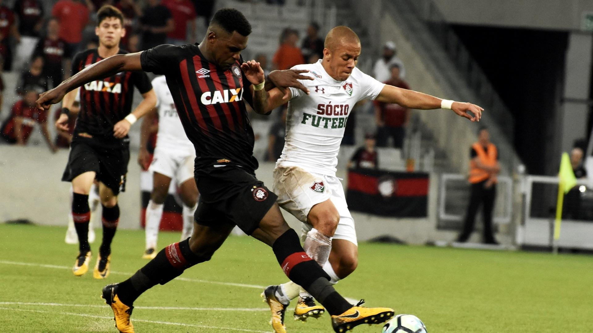 Marcos Júnior, durante jogo entre Fluminense e Atlético-PR