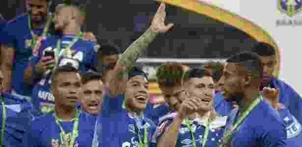 Fez bem! Romero, no centro, previu o penta e desmarcou dentista por festa do título - Cristiane Mattos/Light Press/Cruzeiro